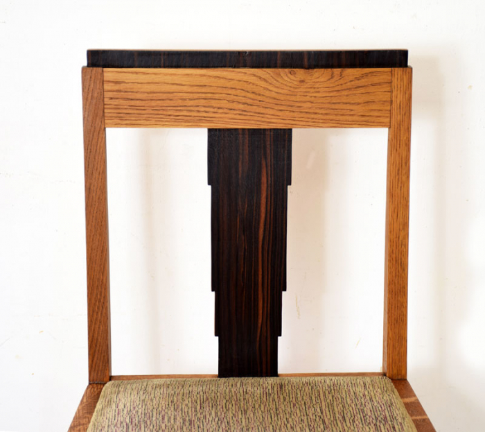 Twee art deco stoelen gereserveerd