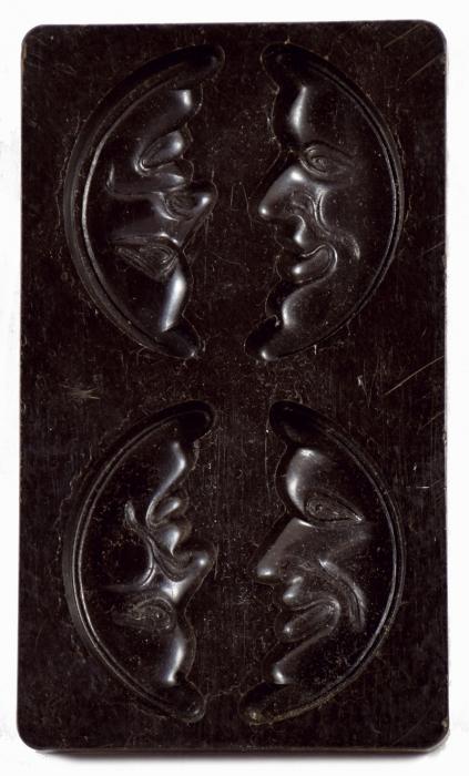 Bakeliet chocolade vorm maan kk. g 4