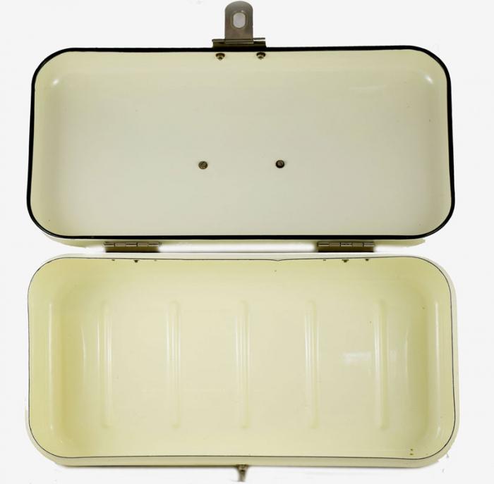 Bread box e. c 3