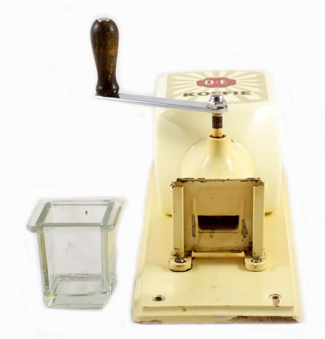 DE retro wandkoffiemolen kk. k 14