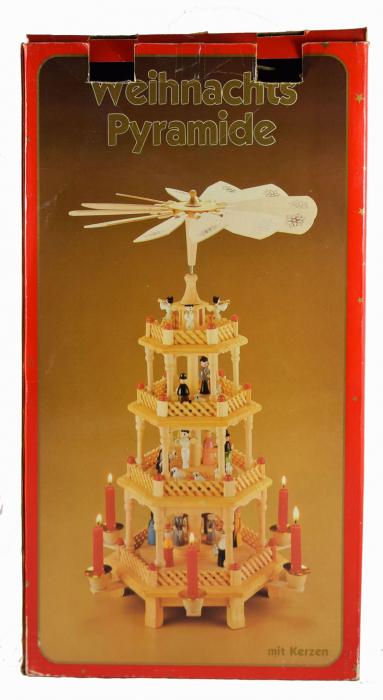 Kerstcarrousel piramide k. d 18