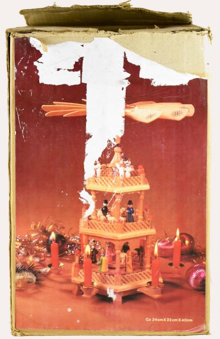 Kerstpiramide k. d 14
