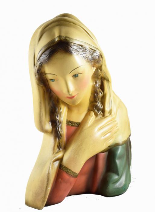 Maria buste met twee vazen