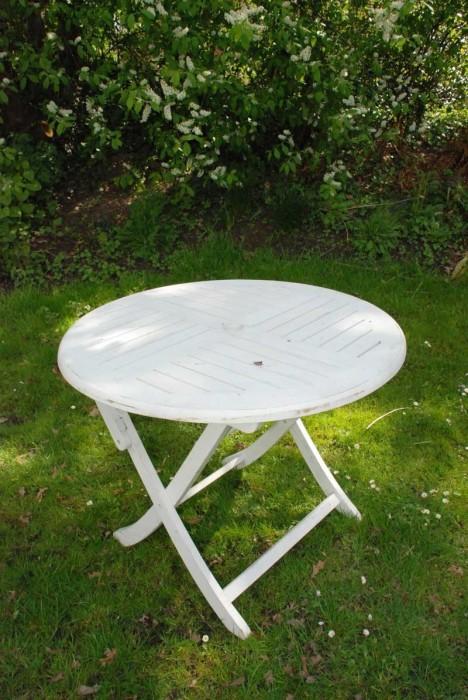Ronde houten witte tafel