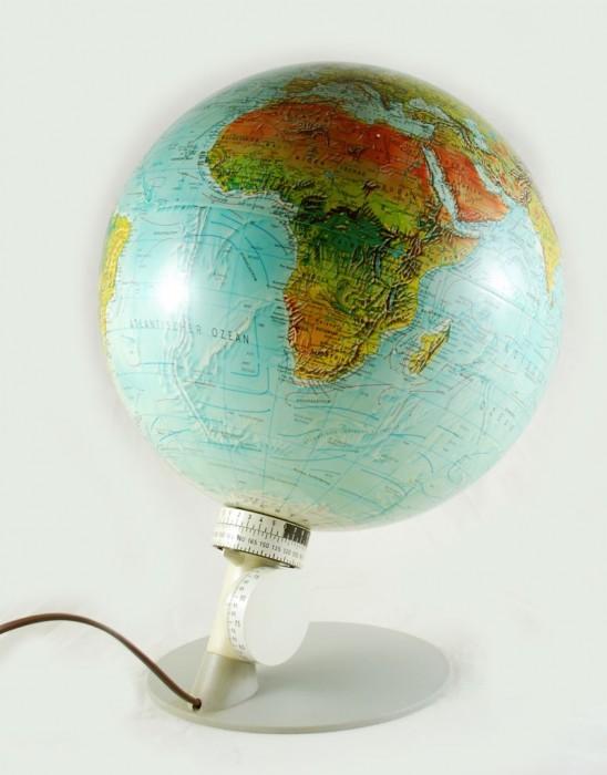 Globe c. d 3