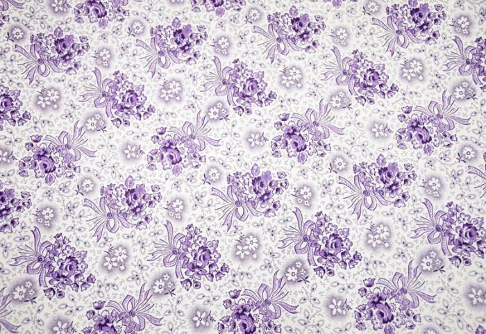 Beddenkleed paars gebloemd t. b 9