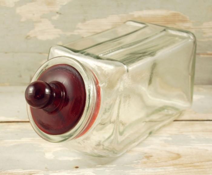 Glazen snoeppot kk. f 3