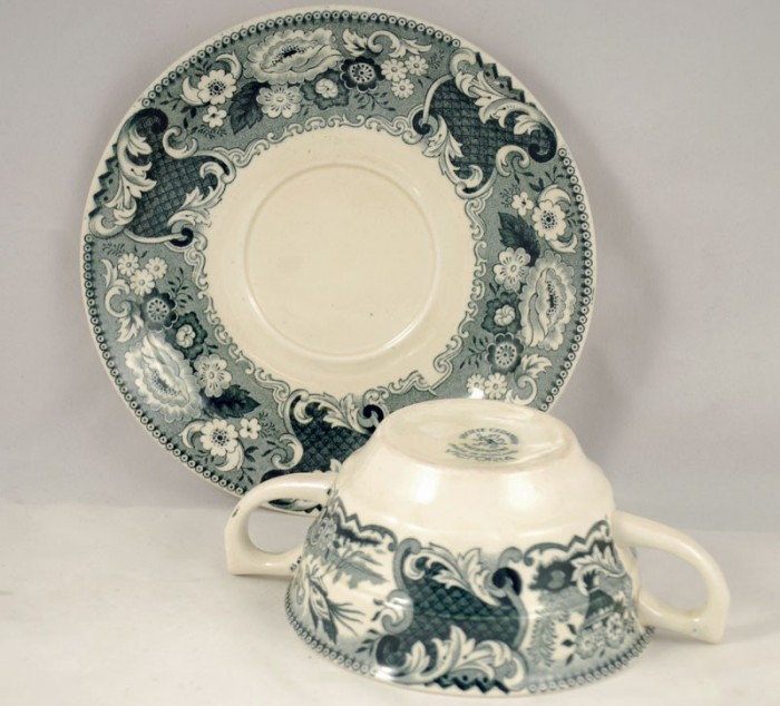 Soup bowl and saucer  am v 16