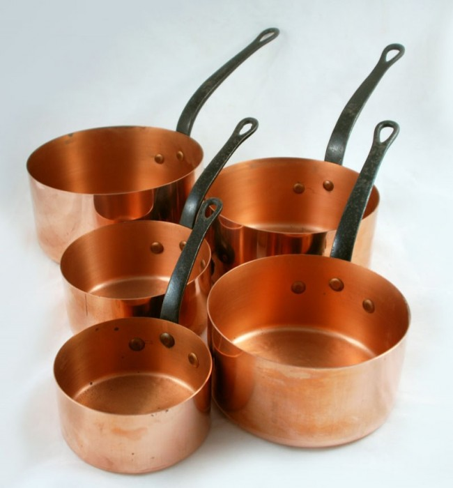 Five copper saucepans tk. k 3