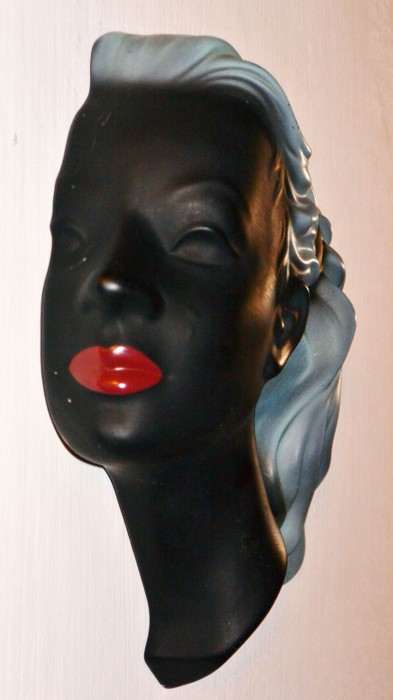Wandmasker vrouw Cortendorf a. pa 3