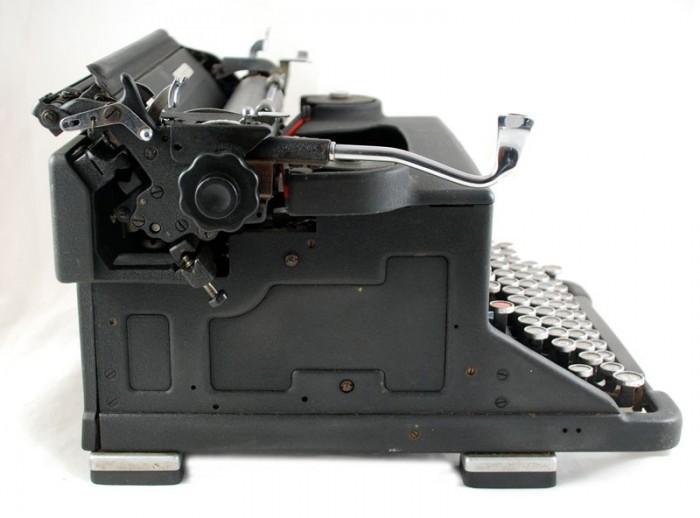Olivetti typemachine M 40 3 c. d 15