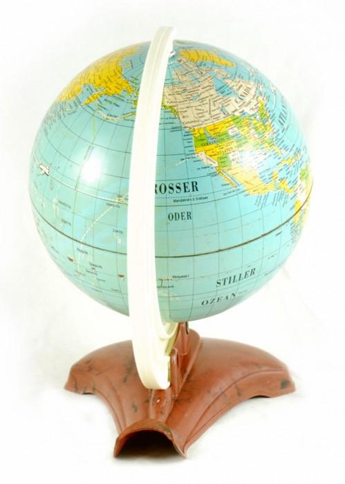 Globe c. d 2