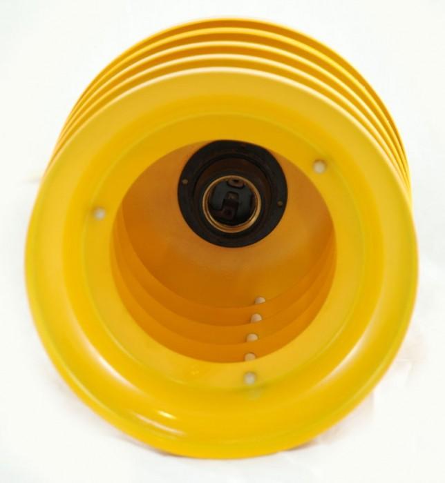 Gele retro lamp v. d 18