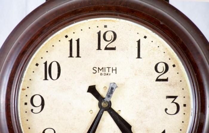 Bakeliet wandklok Smith 8 day c. d 12