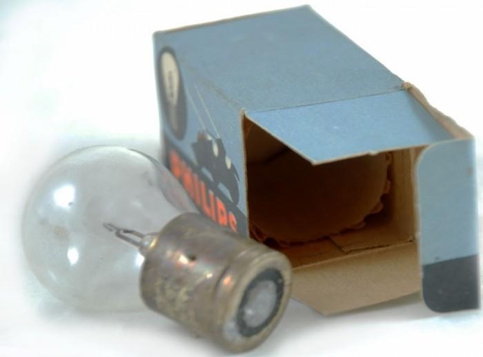 Philips autolamp c. e 1