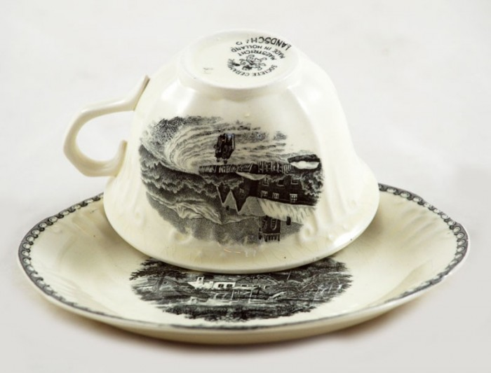 Cup and saucer ag. l 4