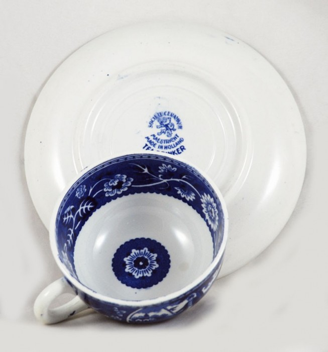 Cup and saucer am. t 5