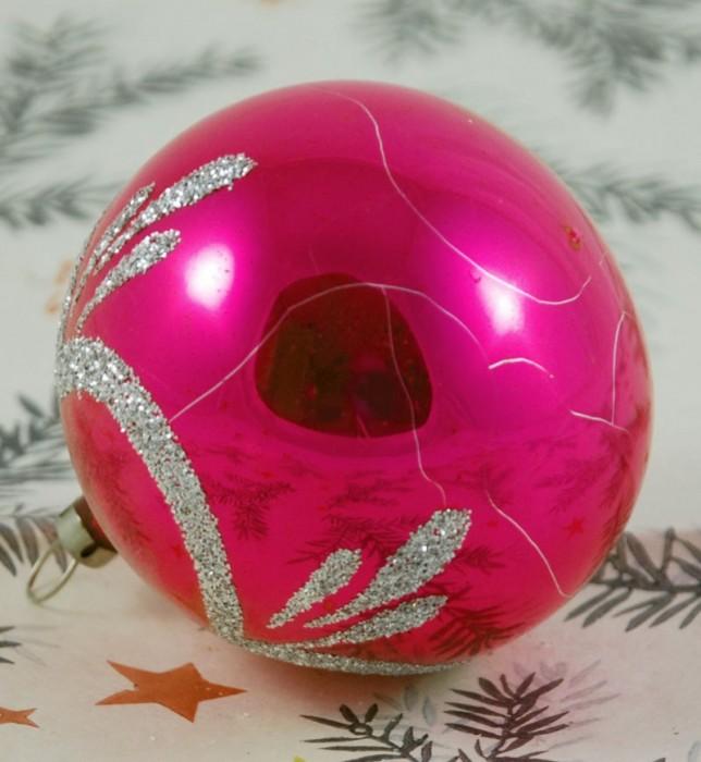 Pink bauble  k. bg 6