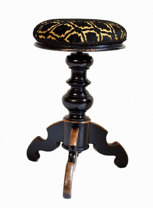 Antieke pianokruk