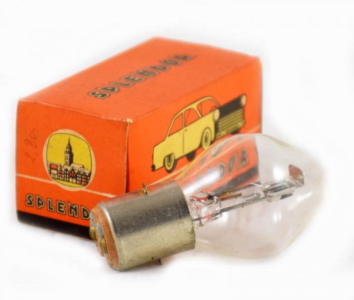 Splendor autolamp c. e 1 gereserveerd