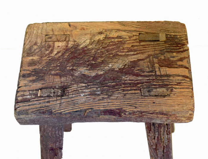 Small wooden stool c. m 11