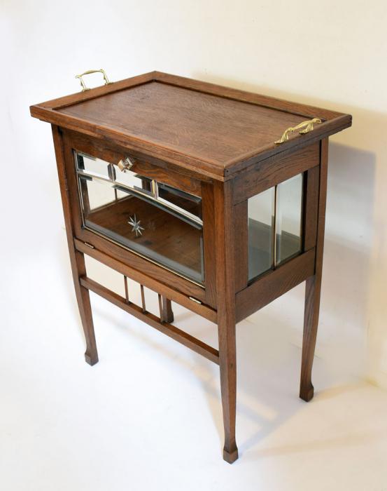 Tea service display cabinet