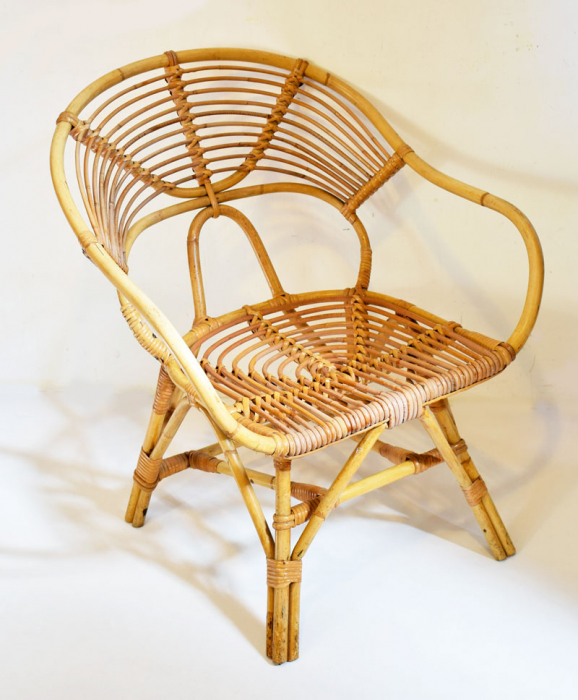 Rotan stoel c. m 12