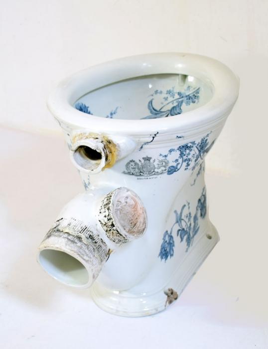 Antieke Engels WC Toilet Sanitas Doulton