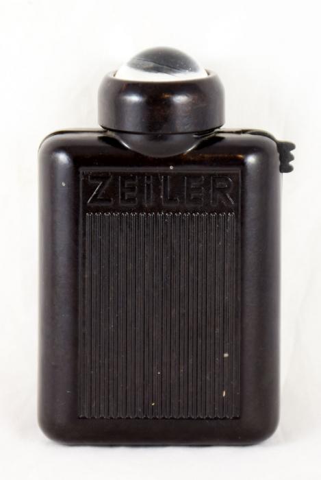 Bakelite Zeiler flashlight c. d 16
